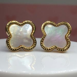 14k yellow gold clover stud earrings mother pearl